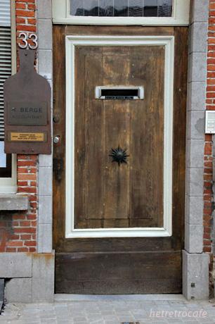 ドアシリーズ これはお店?