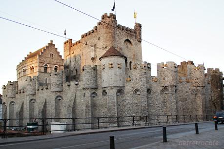 フランドル伯爵城 再び