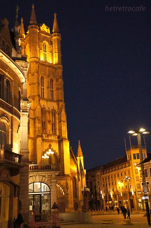 夜のバーフス大聖堂