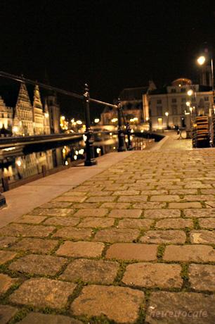 夜のコーレンレイの石畳