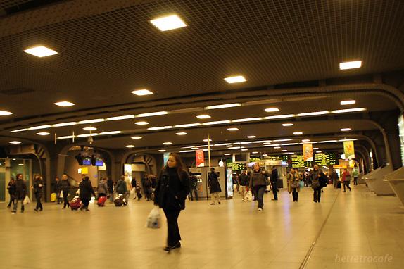 ブリュッセル南駅のコンコース