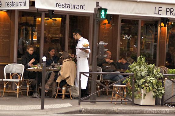 ラデュレ向かいのレストラン